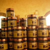 Display of Il Colle Del Gusto nut spreads.